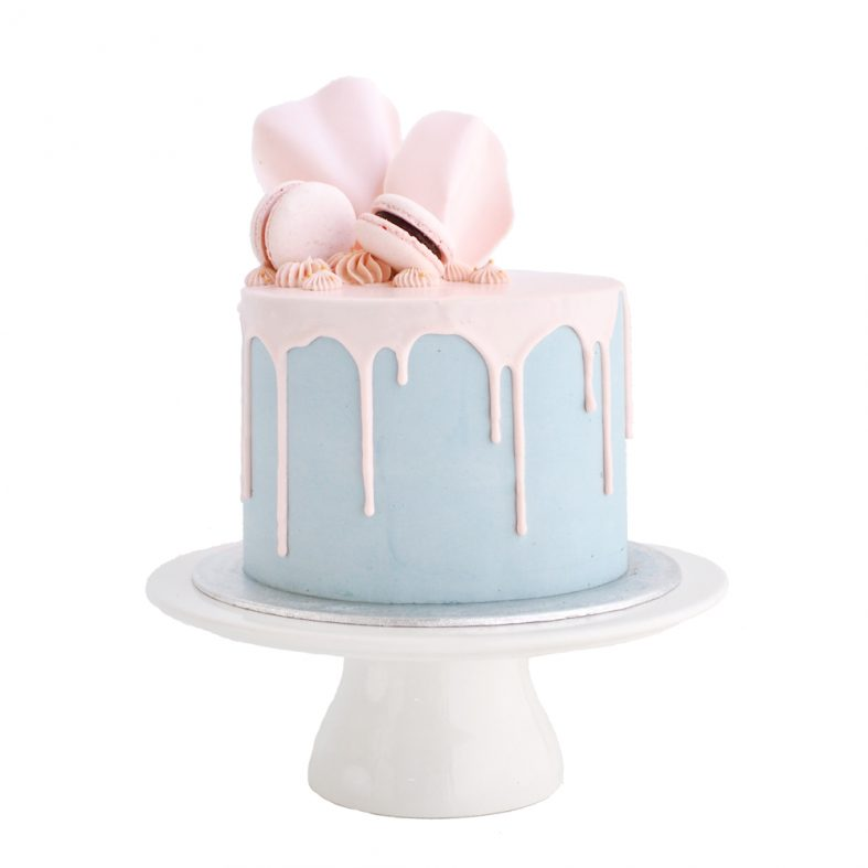 Gender Reveal Drip Cake in Utrecht
